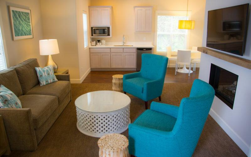 Hillside King Suite Lithia Springs Resort